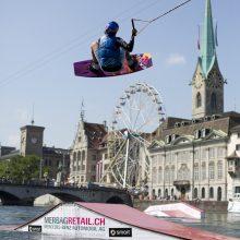 Dominik Gührs holt sich erneut Titel am Wakeboardcable-Contest in Zürich.